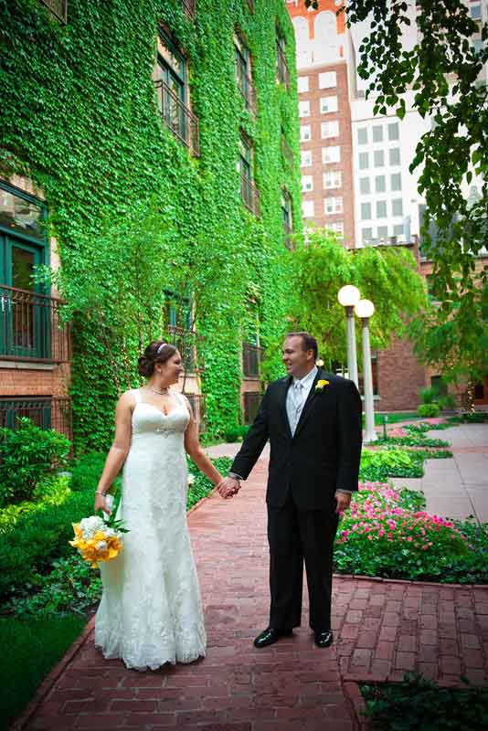 Chicago-Ivy-Room-Yellow-and-Gray-Wedding