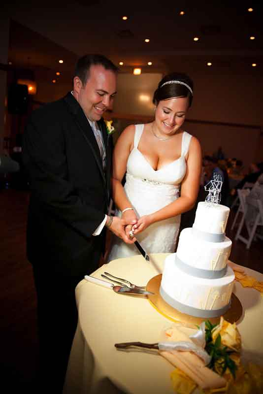cutting-the-cake-photo